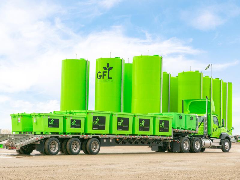 Collecte des conteneurs à déchets liquides
